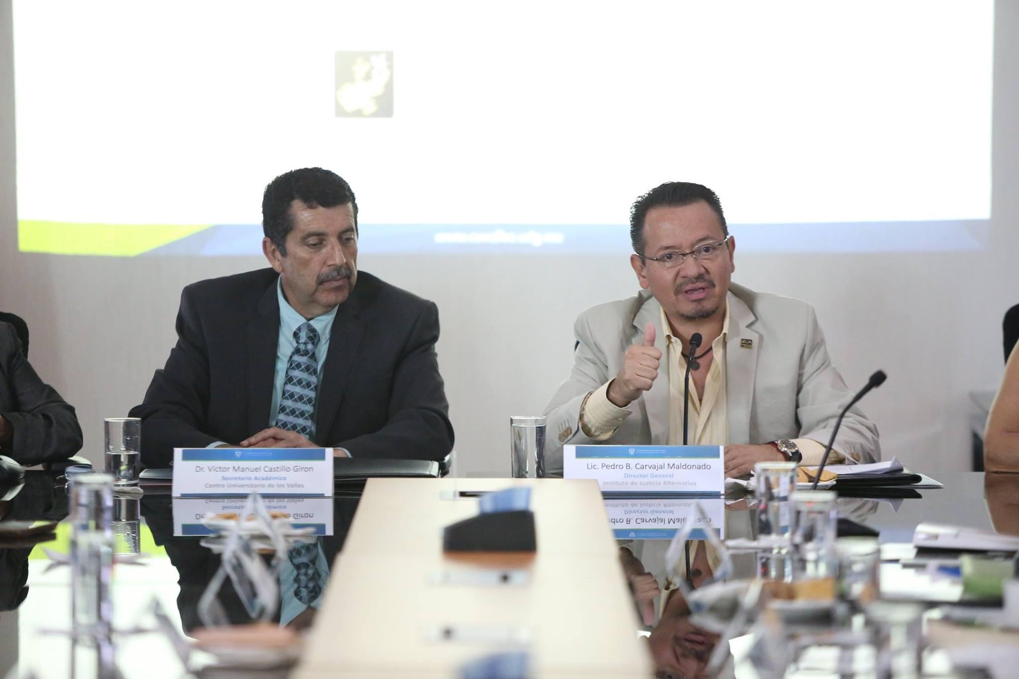 El director general del IJA y el Secretario Académico del CUValles