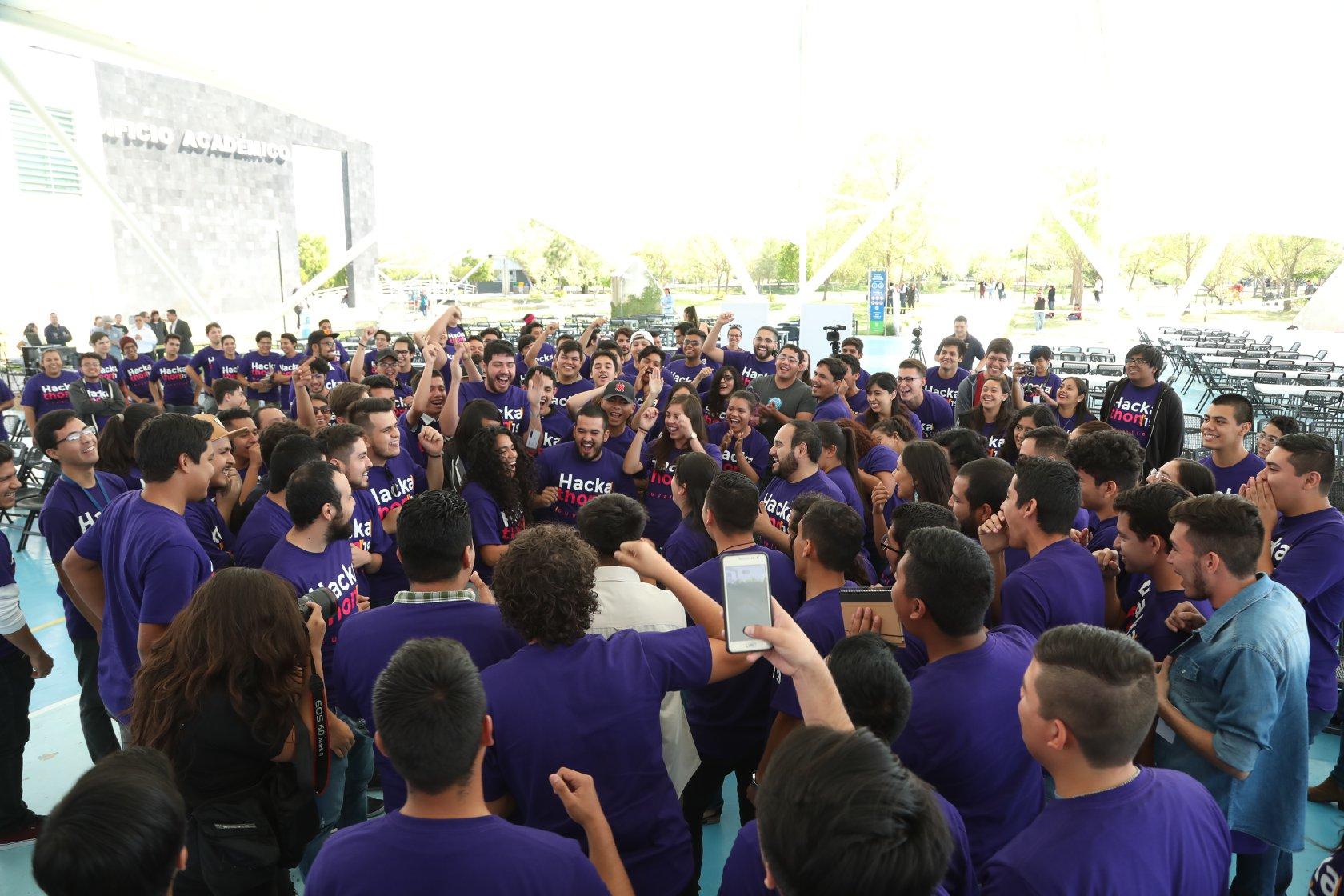 Inicio del Hackathon CUValles 2019