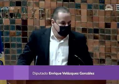 Enrique Velázquez en tribuna del Congreso